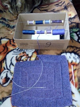 Фото. Плед-покрывало в 8 ниточек из остатков швейных ниток.  Автор работы - Tatyanochka1976
