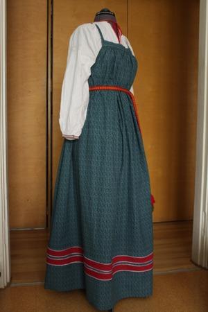 Фото. Круглый сарафан с грудкой для девицы, довольно простой. Автор работы - олЁна и ежик
