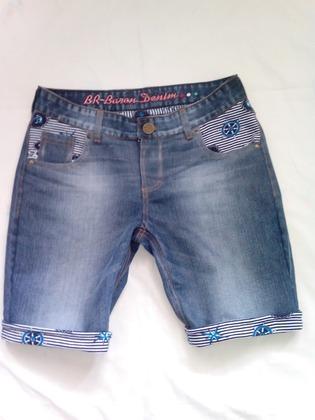 Фото. Бермуды - переделка из мужских брюк большого размера. Автор работы - roxi