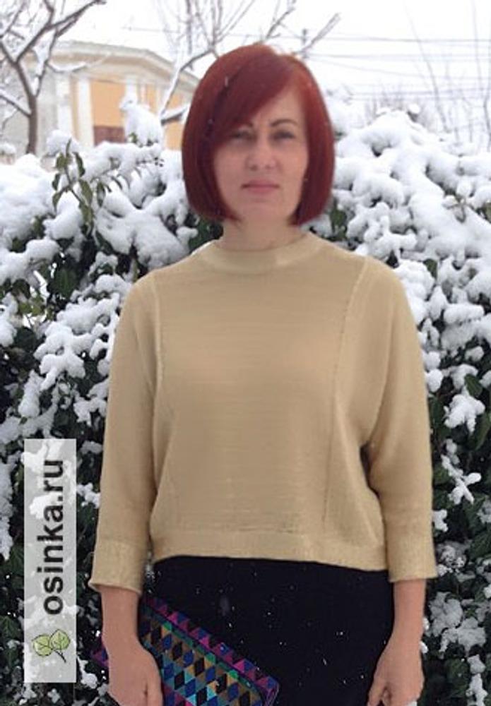 Фото. Свитер, связанный под вдохновением свитера Робин (Айсте).  Автор работы - octrov_natali