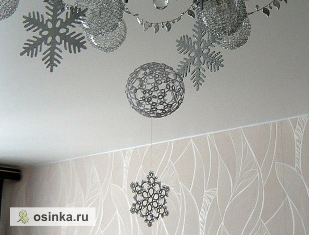 Фото. Снежинки в технике фриволите. Автор работы - Irius