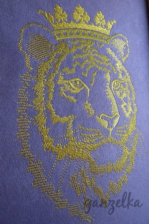 Фото. Король джунглей. Тигр в короне, машинная вышивка.  Автор работы - ganzelka