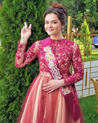 Фото. Платье дочери на выпускной. Автор работы - Moldovanka