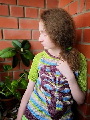 Фото. Пуловер с вышивкой.   Автор работы - kis_tochka