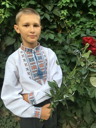 Фото. Вышиванка для сына.  Автор работы - Калина.