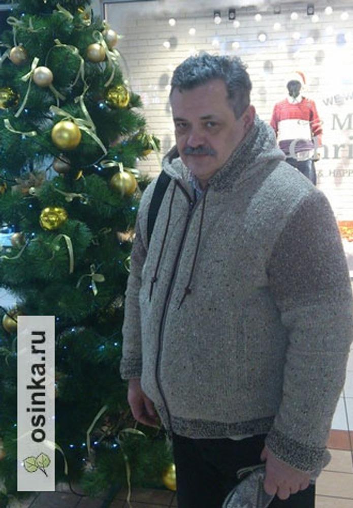 Фото. Куртка для мужа. Пряжа твид Харрис (Fashion Mill, Италия), 80% шерсть, 20% п/а. Автор работы - Ольга Киевлянка