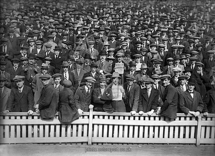 """Фото. Болельщики """"Бирмингем Сити"""" на матче в Сент-Эндрюсе в 1922 году."""
