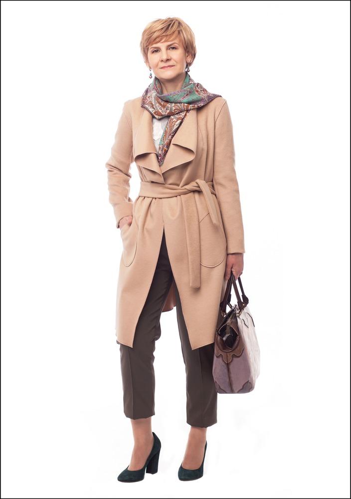 Комплект №3 . Пальто и брюки – BGN. Шелковый шарф – Etro