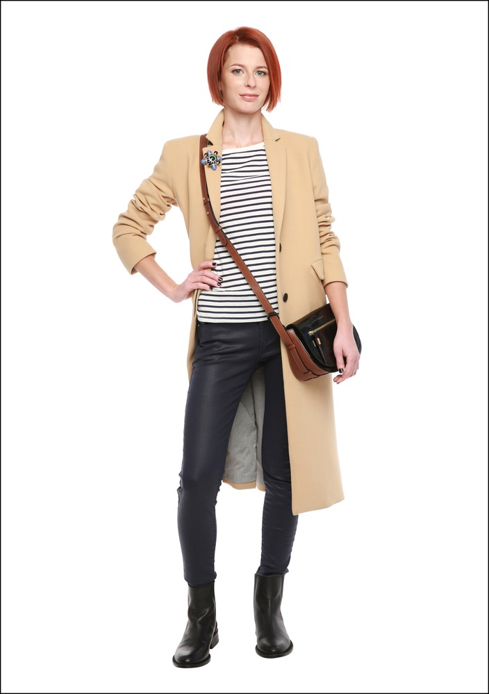 Комплект №2 . Топ, джинсы, пальто и ботинки – Mango. Брошь – Glance