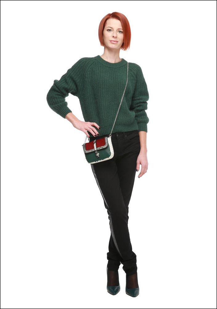 Комплект №3 . Свитер – Lusio. Джинсы – Juicy Couture. Туфли – «Эконика». Сумка – Kira Plastinina