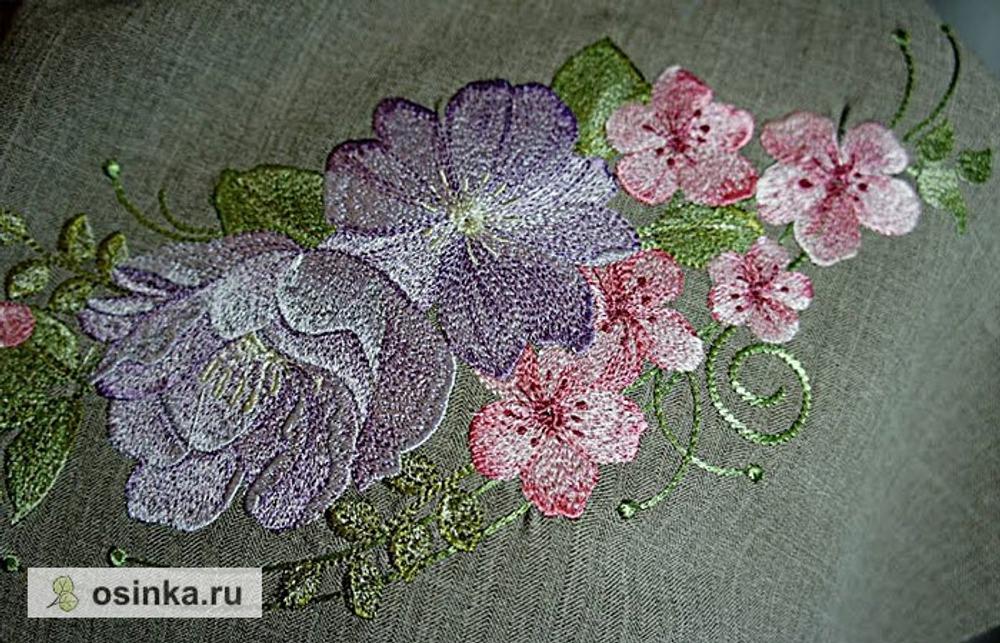 """Фото. Дизайн Наташи Шестаковой (Nata-xa). Вышивка на крое...великолепные цветы...""""Летний аромат""""  Автор работы - Triniti13"""
