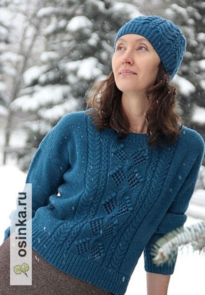 Фото. Вязаный свитер и шапка, без описания, из бобинной шерсти. Автор работы - Idel