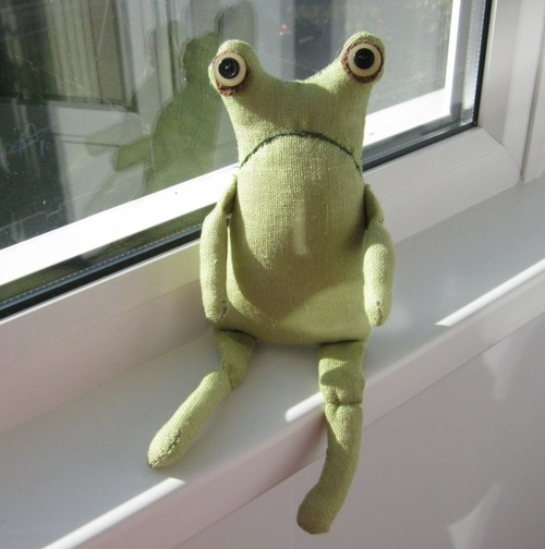 Фото. Игрушка-лягушка.   Автор работы - снова Рената