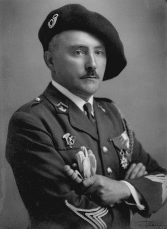 Фото. Берет военнослужащего, офицер Альпийских стрелков,  фото  1939 г.