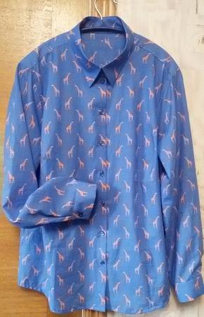 Фото. Рубашка к лету с жирафиками.   Автор работы - LULUSSI
