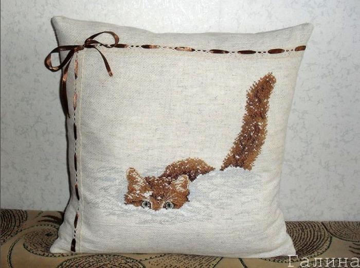Фото. Март - месяц кошек. Кошачья подушка-хвастушка!  Автор работы - Galina0608