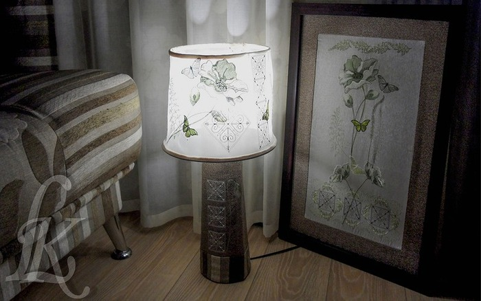 Фото. Вышитый абажур (реставрировала напольную лампу) и панно на стену.  Автор работы - LoraK