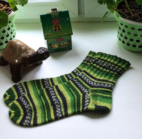Фото. Носки - буйство зелени.   Автор работы - Ruta129