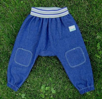 Фото. Брючки из легкой джинсы. Модель из OTTOBRE  Автор работы - МамаМария
