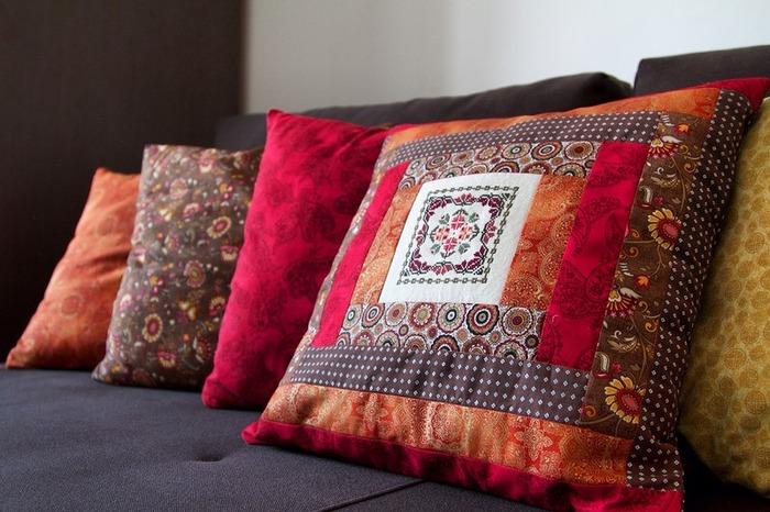 Фото. Вышитые подушки, 45х45 см, американский хлопок, лен, элементы вышивки от Blackdird Designs. Автор работы - oksana0201