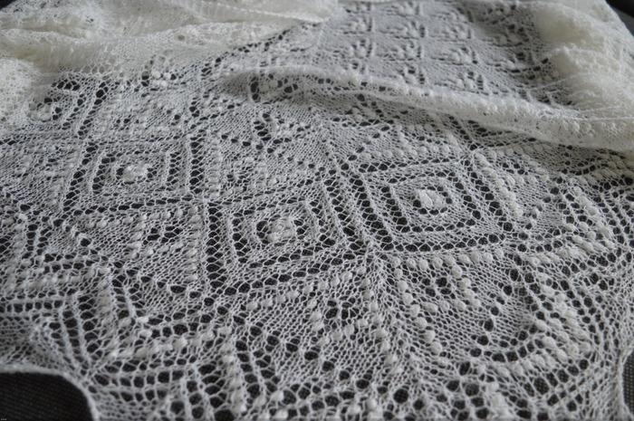 Фото. Шаль Kevadekirjaga rätt/Spring shawl.  Автор работы - Iriina