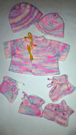 Фото. Маленькие вязалочки для малыша.   Автор работы - Pampulya