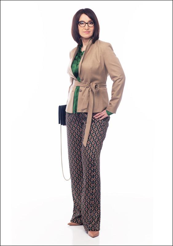 Комплект №3 . Жакет – Monton. Блуза – BGN. Брюки – Zara. Туфли и сумка – «Эконика»