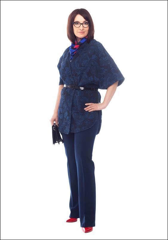 Комплект №5 . Жакет-кимоно – Mango. Брюки – BGN. Туфли и сумка – «Эконика»