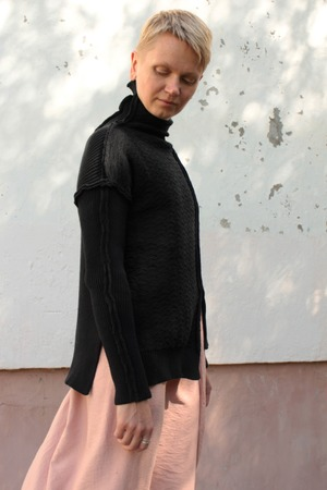 Фото. По мотивам свитера Йоджи Ямамото.    Автор работы - олЁна и ежик