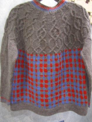 Фото. Пуловер просто в клеточку.   Автор работы - schurotschka