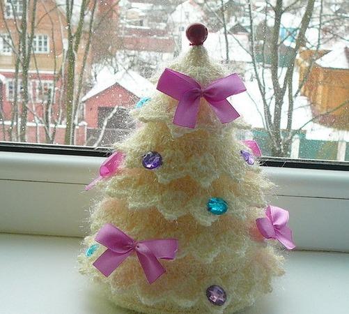 Фото. Скоро Новый год и Рождество. Вяжем елочки!  Автор работы - Белоруска