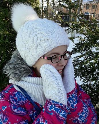 Фото. Зимний комплект для дочки. Шапка - описание Northern Lights от Ирины Дмитриевой. Автор работы - Я_Таня