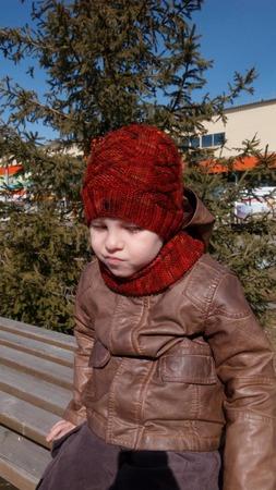 Фото. И комплект из шапки и снуда, меринос 250/100 ручного крашения.  Автор работы - Юлёна64