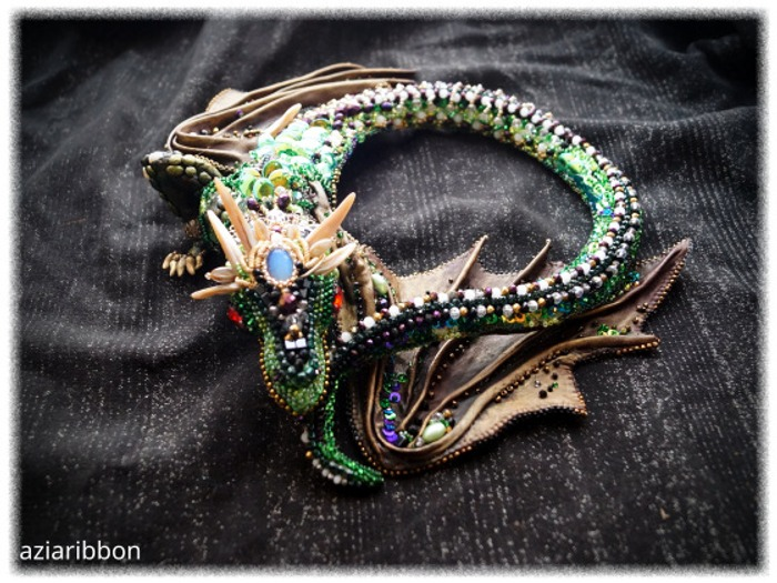 "Фото. Колье ""Дракон"".  Автор работы - Aziaribbon"