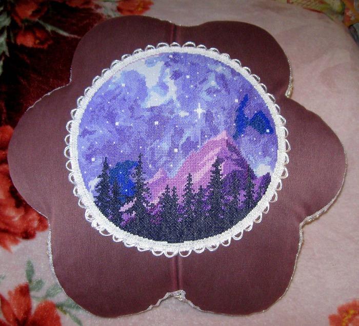 """Фото. """"Фиолетовая ночь"""", оформлено в подушку.   Автор работы - Simfony"""