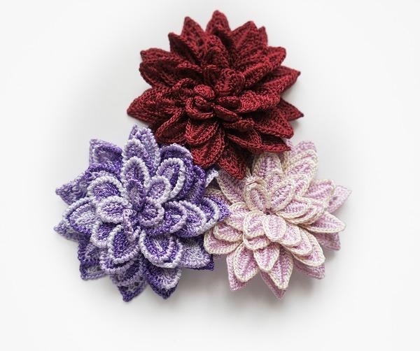 Фото. Вязаные броши-цветки.   Автор работы - Svero
