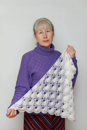 """Фото. Фиолетовый свитерок и шалька с """"ракушками"""" на вилке.   Автор работы - Верунька"""