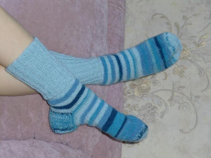 Фото. Носочки для дочки из остатков носочной пряжи от Ализе и полушерсти Мэджик файн. Автор работы - $Ленусик$