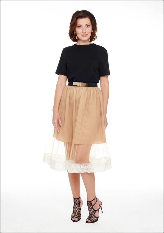 Комплект №3 . Топ и юбка – Ekepeople. Босоножки – «Эконика». Пояс – «Снежная королева»