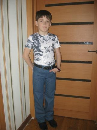 Фото. Джинсы и две футболки. Автор работы - yana80