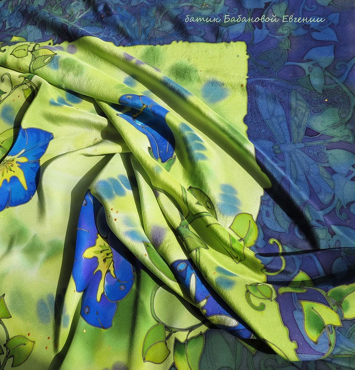 Фото. Летний платок с вьюнками, батик.   Автор работы - Didelphidae
