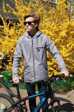 Фото. Городская веловетровка для сына. Автор работы - Ореховая соня