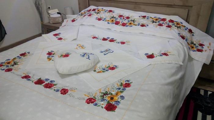 Фото. Набор постельного белья. Машинная  вышивка. Автор работы - Nada69