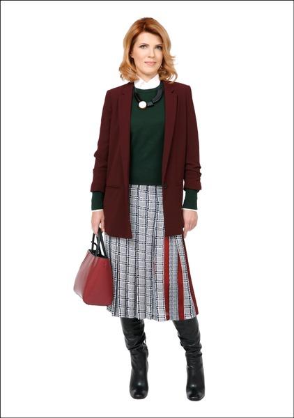 Комплект №2 . Жакет – Mango. Джемпер, юбка и сумка – Zara. Сапоги – Danija. Ожерелье – Ivo Nikkolo