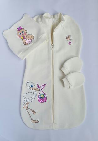 Фото. И комплект для малыша - пеленка-кокон и шапочка. Автор работы - Ionochkal