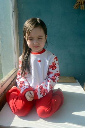 Фото. ... и милые костюмчики для младшей. Автор работы - BabyCatl