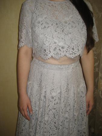 Фото. Выпускное платье для дочки готово - все в кружевах. Автор работы - Хохлома