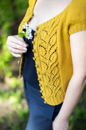"""Фото. От Татьяны Федоровой @belka_handmade """"leafy summer cardigan"""".  Автор работы - L^venok"""