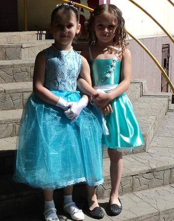 Фото. Платья для дочек в честь выпускного у младшей.   Автор работы - _ИнкаУкраинка_
