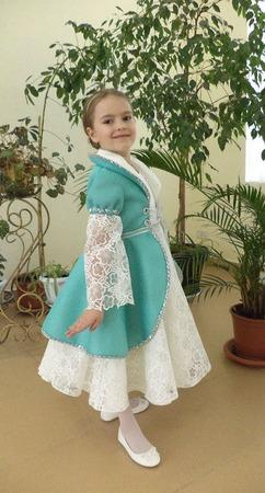 Фото. Платье для выпускного в детском саду.  Автор работы - St.Elena